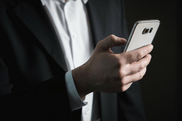 Joindre les clients sur leur portable à l'aide de l'email automation